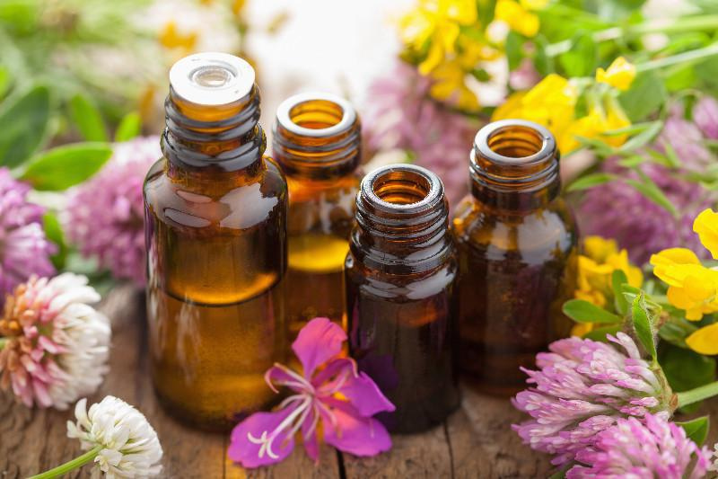 Essential Oils for Better Moods