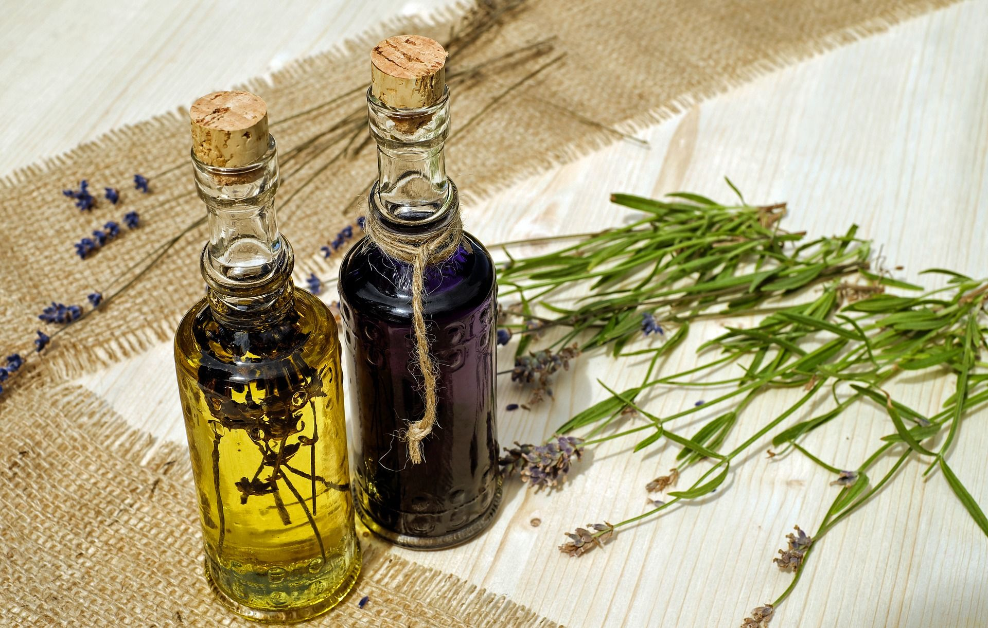 Neem Oil VS Castor Oil: The Benefits of Natural Remedies!