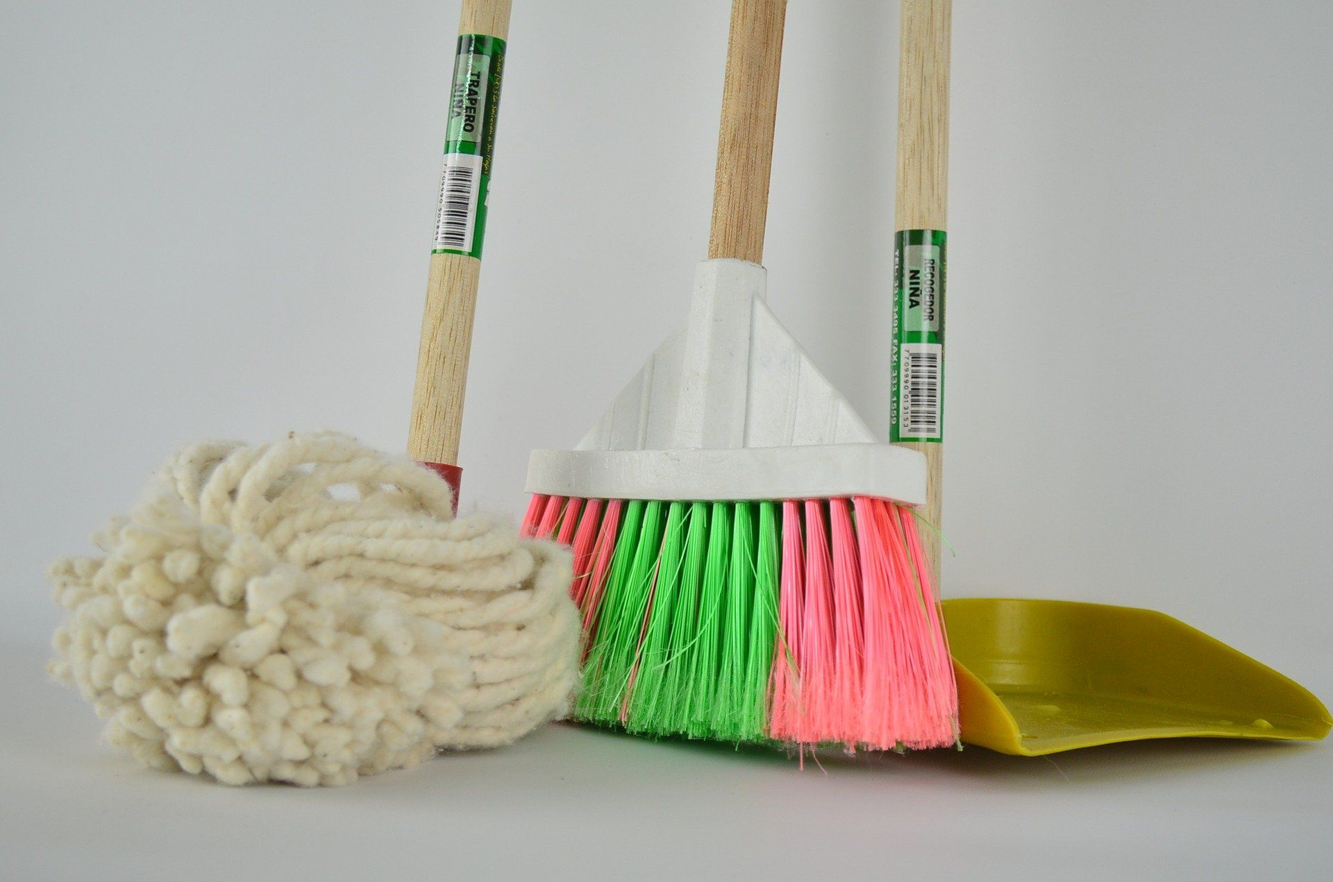 Natural Cleaning Recipe Life Hacks You Need to Try