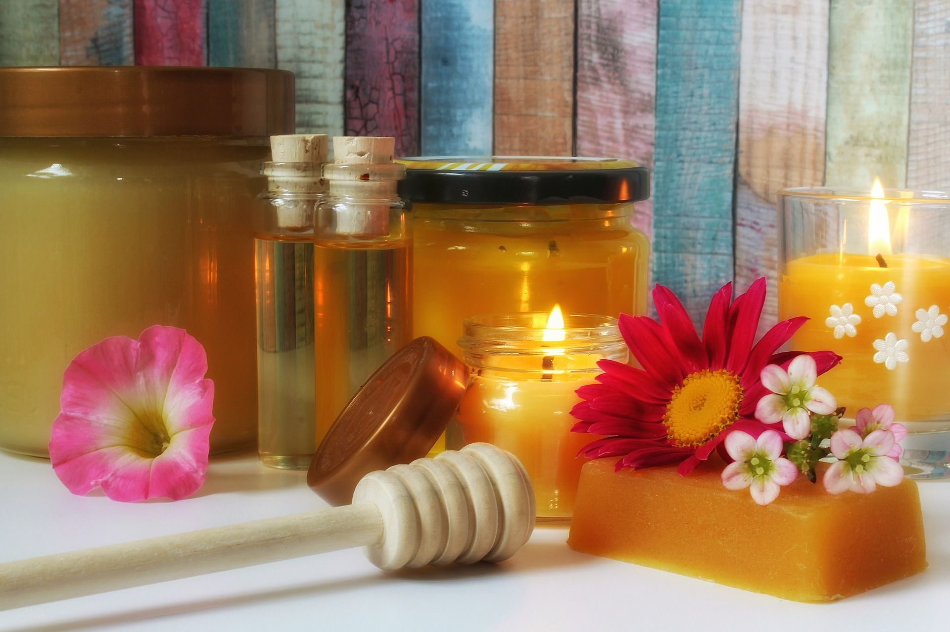 The Basics of Beeswax - What is it? How to Use it to benefit your life!
